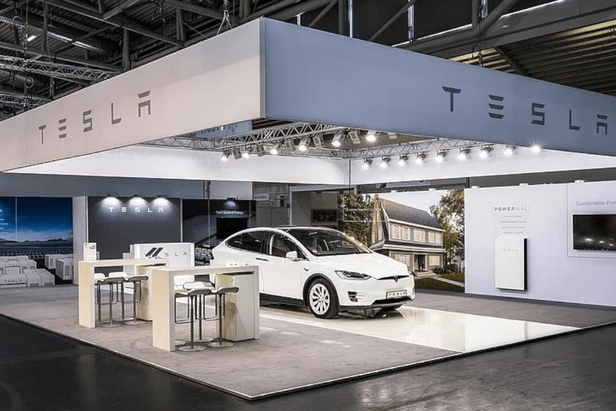 Stand design RocketExpo Intersolar München Tesla