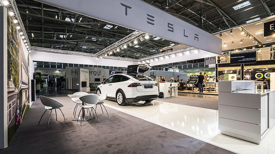 Messekonzept RocketExpo Intersolar München für Tesla