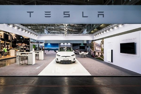 Booth construction RocketExpo Intersolar munich tesla